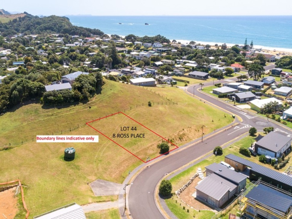 6,43,44 Dolphin Dr and Ross Pl, Whiritoa