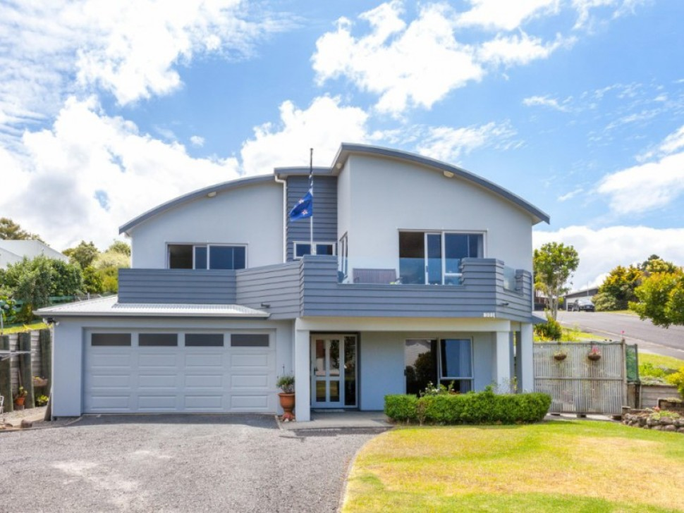 301 The Drive, Whangamata